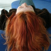 Rude włosy wyróżniają! Wybierz swój wymarzony odcień!