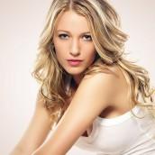 Jak wydobyć naturalny połysk włosów blond?