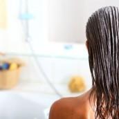 Kolejność ma znaczenie! Które kosmetyki do włosów nakładać najpierw?