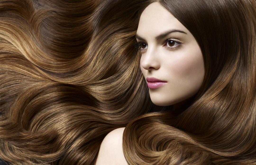 Farbowanie włosów w domu. Wszystko, co powinnaś wiedzieć o zasadach udanej koloryzacji!