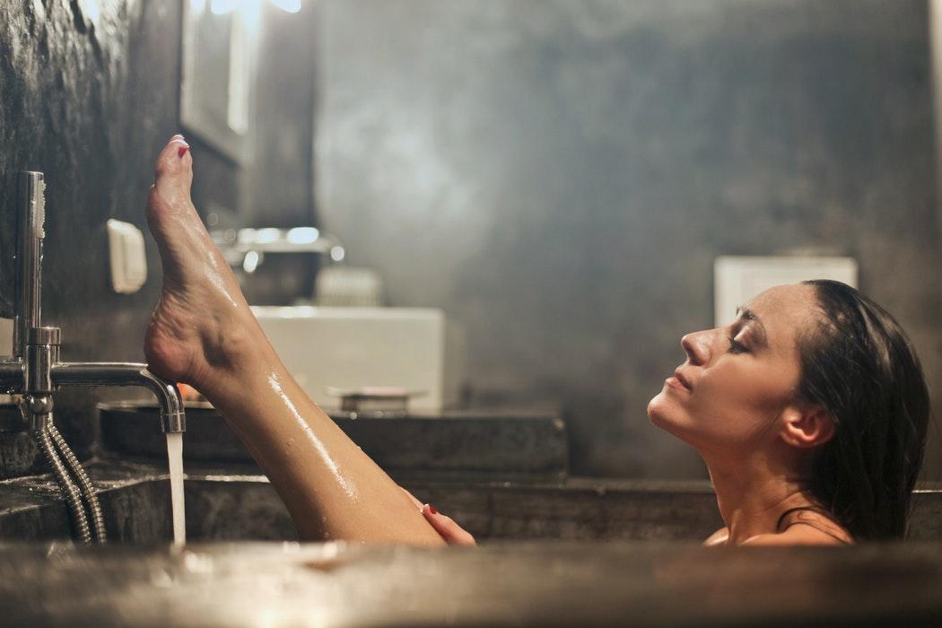 Do jakiej skóry sprawdzą się najlepiej oczyszczające olejki?