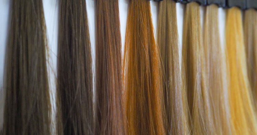 Kolor włosów a trendy mody w koloryzacji