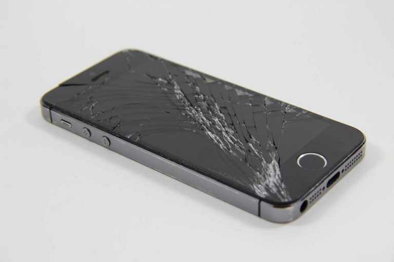Każdy telefon czasami się psuje