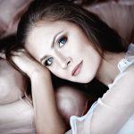 Jak zrobić idealny makijaż do niebieskich oczu?